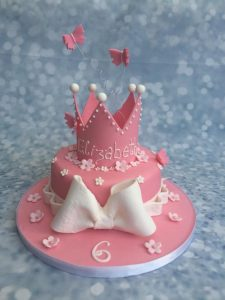 girls-pink-crown-and-bow