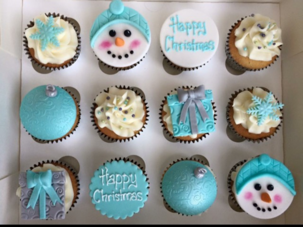 blue-silver-christmas-cupcakes