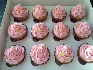 Pink and gold spot cupcakes