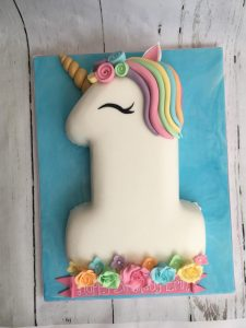 mini_1 unicorn cake